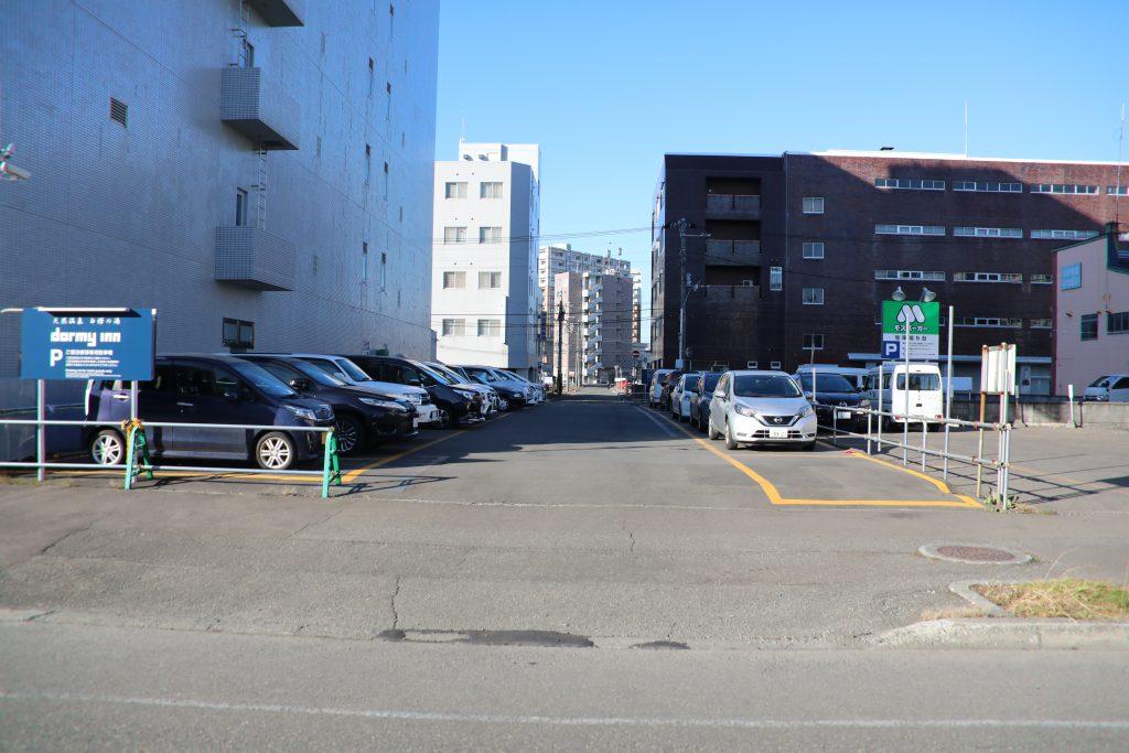 ホテルドーミーイン様駐車場
